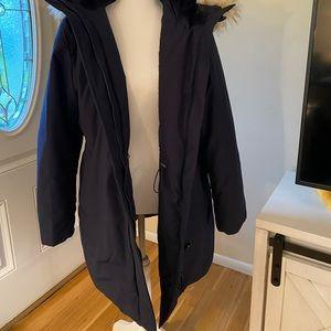 Navy uniqlo puffer jackets
